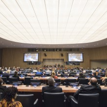 General Assembly Seventy-first session High-level plenary meeting on addressing large movements of refugees and migrants, Round Table 6  Co-Chairs: H.E. Luis Guillermo Solis Rivera, President, Costa Rica H.E.  Baron Waqa, President of Nauru  Wide View of the meeting