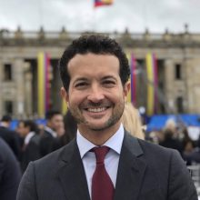 Luis Ernesto Araujo1 220x220 - Luis Ernesto Araujo