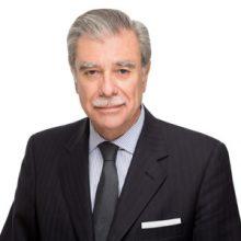 Carlos Gutierrez 220x220 - Carlos Gutierrez